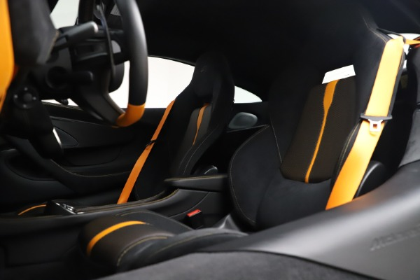 Used 2017 McLaren 570S Coupe for sale $161,900 at Rolls-Royce Motor Cars Greenwich in Greenwich CT 06830 18