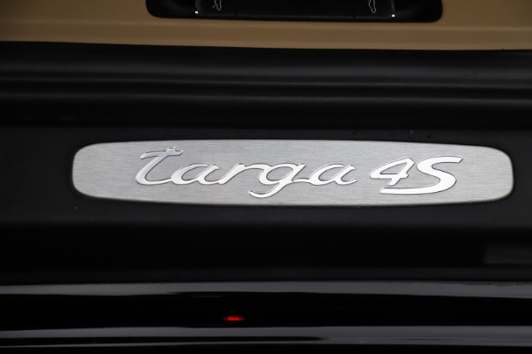 Used 2016 Porsche 911 Targa 4S for sale Sold at Rolls-Royce Motor Cars Greenwich in Greenwich CT 06830 23