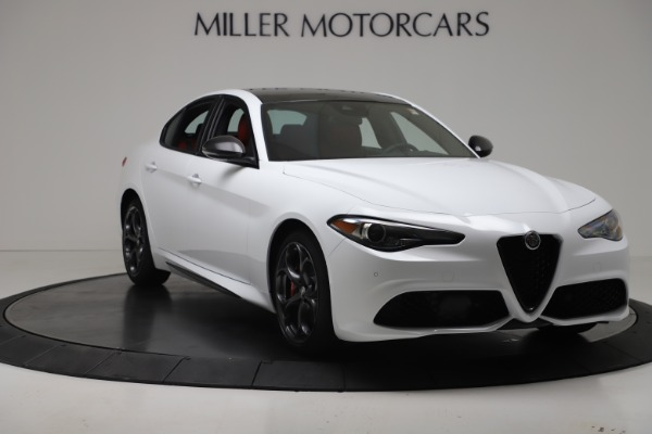 New 2019 Alfa Romeo Giulia Ti Sport Carbon Q4 for sale Sold at Rolls-Royce Motor Cars Greenwich in Greenwich CT 06830 11