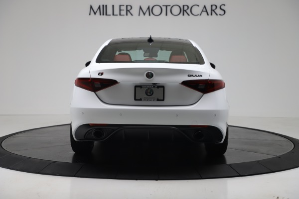 New 2019 Alfa Romeo Giulia Ti Sport Carbon Q4 for sale Sold at Rolls-Royce Motor Cars Greenwich in Greenwich CT 06830 6