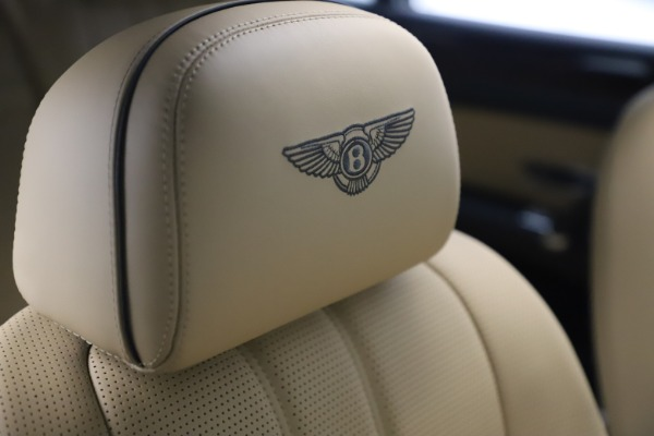 Used 2016 Bentley Flying Spur V8 for sale $119,900 at Rolls-Royce Motor Cars Greenwich in Greenwich CT 06830 27