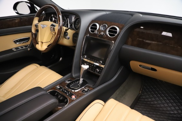 Used 2016 Bentley Flying Spur V8 for sale $119,900 at Rolls-Royce Motor Cars Greenwich in Greenwich CT 06830 28