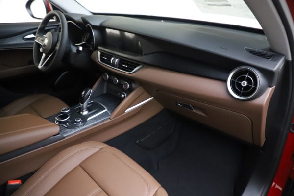 New 2019 Alfa Romeo Stelvio Q4 for sale Sold at Rolls-Royce Motor Cars Greenwich in Greenwich CT 06830 22