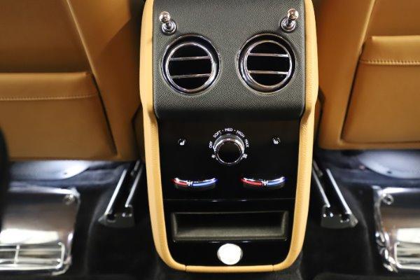 New 2020 Rolls-Royce Cullinan for sale $348,975 at Rolls-Royce Motor Cars Greenwich in Greenwich CT 06830 22