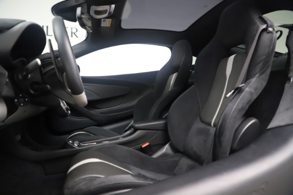 Used 2017 McLaren 570GT Coupe for sale $142,900 at Rolls-Royce Motor Cars Greenwich in Greenwich CT 06830 16