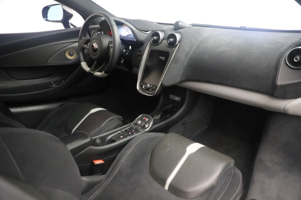Used 2017 McLaren 570GT Coupe for sale $142,900 at Rolls-Royce Motor Cars Greenwich in Greenwich CT 06830 19