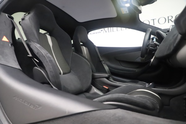 Used 2017 McLaren 570GT Coupe for sale $142,900 at Rolls-Royce Motor Cars Greenwich in Greenwich CT 06830 21