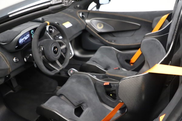 New 2020 McLaren 600LT SPIDER Convertible for sale $309,620 at Rolls-Royce Motor Cars Greenwich in Greenwich CT 06830 22