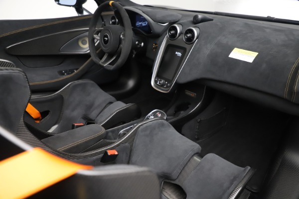 Used 2020 McLaren 600LT SPIDER Convertible for sale $249,900 at Rolls-Royce Motor Cars Greenwich in Greenwich CT 06830 26