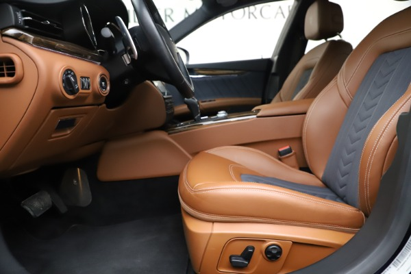 Used 2017 Maserati Quattroporte S Q4 GranLusso for sale Sold at Rolls-Royce Motor Cars Greenwich in Greenwich CT 06830 14