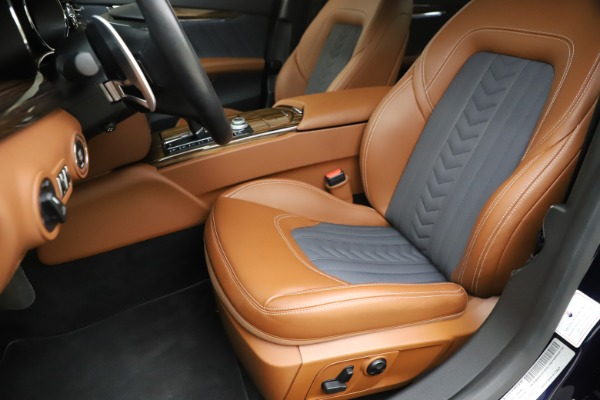 Used 2017 Maserati Quattroporte S Q4 GranLusso for sale Sold at Rolls-Royce Motor Cars Greenwich in Greenwich CT 06830 15