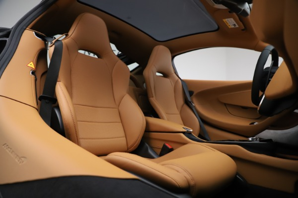 New 2020 McLaren GT Coupe for sale $245,975 at Rolls-Royce Motor Cars Greenwich in Greenwich CT 06830 16