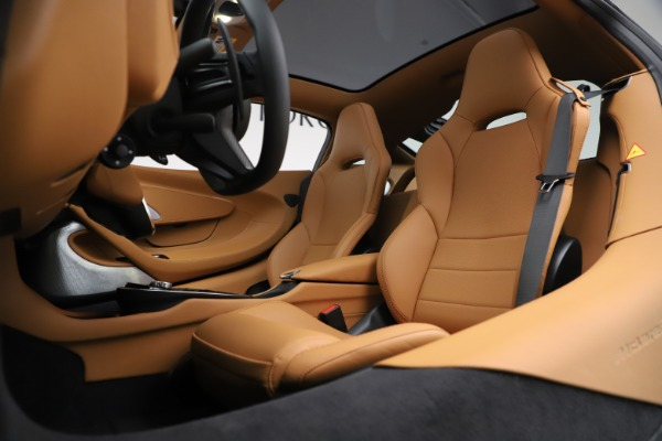 New 2020 McLaren GT Coupe for sale $245,975 at Rolls-Royce Motor Cars Greenwich in Greenwich CT 06830 18