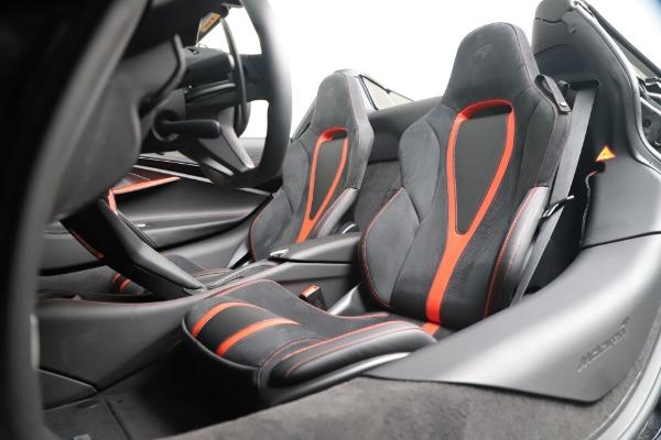 Used 2020 McLaren 720S Spider for sale $349,900 at Rolls-Royce Motor Cars Greenwich in Greenwich CT 06830 25