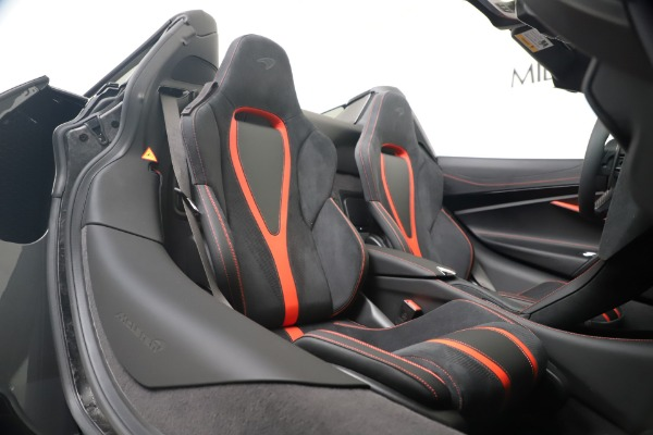Used 2020 McLaren 720S Spider for sale $349,900 at Rolls-Royce Motor Cars Greenwich in Greenwich CT 06830 28