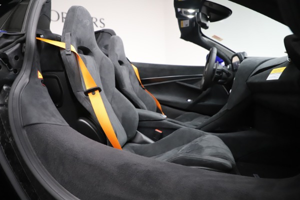 New 2020 McLaren 720S Spider Convertible for sale $364,090 at Rolls-Royce Motor Cars Greenwich in Greenwich CT 06830 26