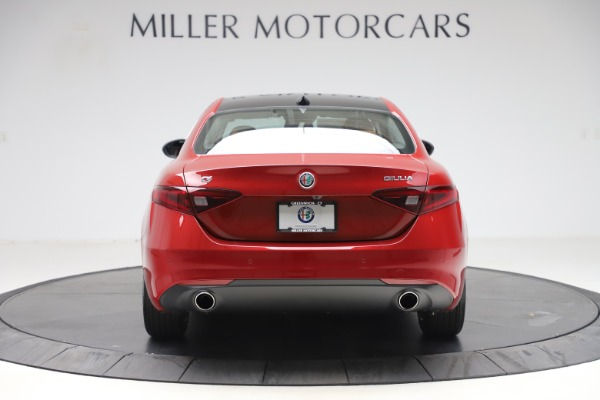 New 2019 Alfa Romeo Giulia Ti Lusso Q4 for sale Sold at Rolls-Royce Motor Cars Greenwich in Greenwich CT 06830 6