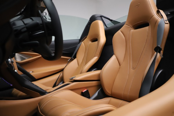 New 2020 McLaren 720S Spider Luxury for sale $380,835 at Rolls-Royce Motor Cars Greenwich in Greenwich CT 06830 27