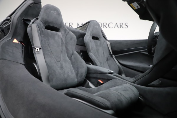 New 2020 McLaren 720S Spider Convertible for sale $332,570 at Rolls-Royce Motor Cars Greenwich in Greenwich CT 06830 26