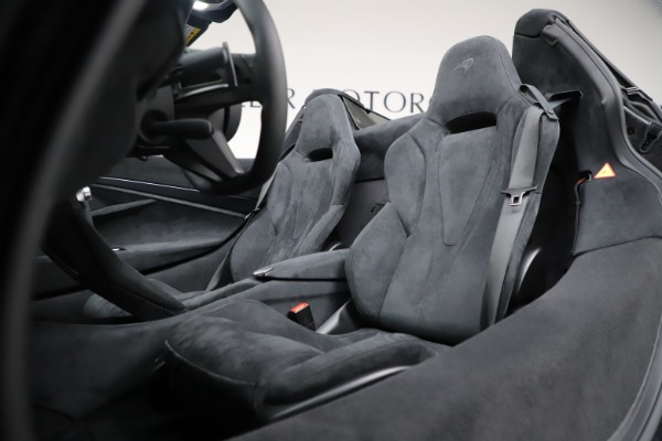 New 2020 McLaren 720S Spider Convertible for sale $332,570 at Rolls-Royce Motor Cars Greenwich in Greenwich CT 06830 28