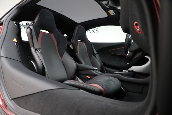 New 2020 McLaren GT Coupe for sale $249,275 at Rolls-Royce Motor Cars Greenwich in Greenwich CT 06830 17
