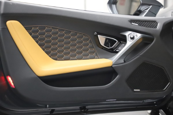 Used 2018 Lamborghini Huracan LP 580-2 Spyder for sale Call for price at Rolls-Royce Motor Cars Greenwich in Greenwich CT 06830 21