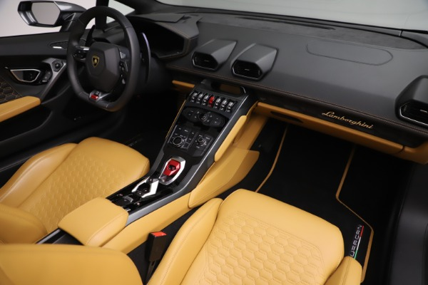 Used 2018 Lamborghini Huracan LP 580-2 Spyder for sale Call for price at Rolls-Royce Motor Cars Greenwich in Greenwich CT 06830 22