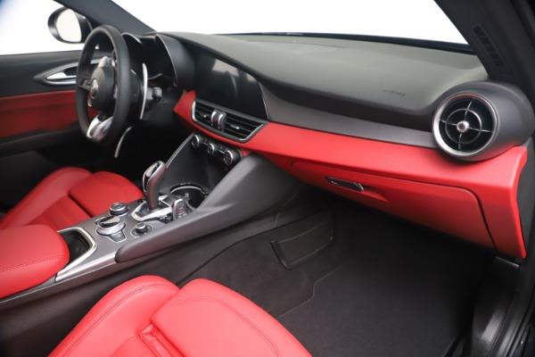 New 2020 Alfa Romeo Giulia Ti Sport Q4 for sale $56,440 at Rolls-Royce Motor Cars Greenwich in Greenwich CT 06830 22