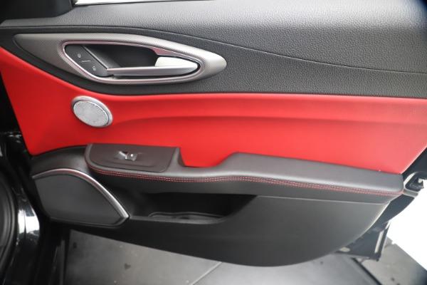New 2020 Alfa Romeo Giulia Ti Sport Q4 for sale $56,440 at Rolls-Royce Motor Cars Greenwich in Greenwich CT 06830 25