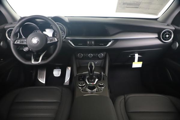 New 2020 Alfa Romeo Stelvio Ti Lusso Q4 for sale $55,790 at Rolls-Royce Motor Cars Greenwich in Greenwich CT 06830 16