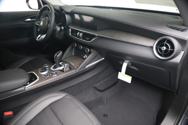 New 2020 Alfa Romeo Stelvio Ti Lusso Q4 for sale $55,790 at Rolls-Royce Motor Cars Greenwich in Greenwich CT 06830 22