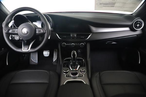 New 2020 Alfa Romeo Giulia Sport Q4 for sale $47,790 at Rolls-Royce Motor Cars Greenwich in Greenwich CT 06830 16