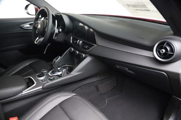 New 2020 Alfa Romeo Giulia Sport Q4 for sale $47,790 at Rolls-Royce Motor Cars Greenwich in Greenwich CT 06830 22