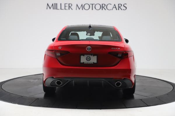 New 2020 Alfa Romeo Giulia Sport Q4 for sale $47,790 at Rolls-Royce Motor Cars Greenwich in Greenwich CT 06830 6