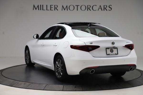 New 2020 Alfa Romeo Giulia Q4 for sale $45,590 at Rolls-Royce Motor Cars Greenwich in Greenwich CT 06830 6