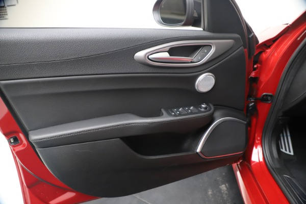 New 2020 Alfa Romeo Giulia Ti Sport Q4 for sale $56,690 at Rolls-Royce Motor Cars Greenwich in Greenwich CT 06830 17