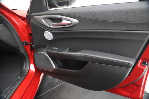 New 2020 Alfa Romeo Giulia Ti Sport Q4 for sale $56,690 at Rolls-Royce Motor Cars Greenwich in Greenwich CT 06830 25