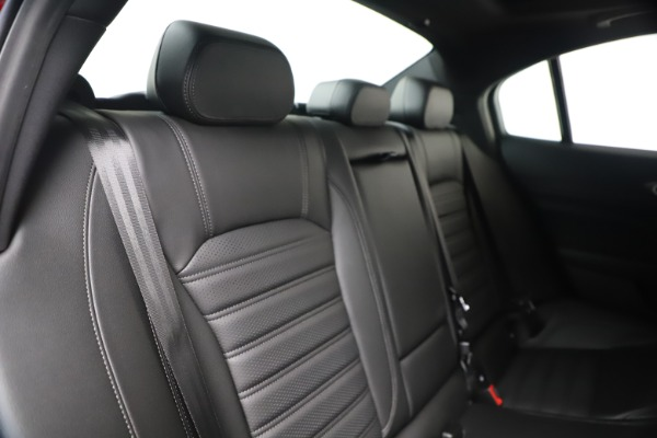 New 2020 Alfa Romeo Giulia Ti Sport Q4 for sale $56,690 at Rolls-Royce Motor Cars Greenwich in Greenwich CT 06830 26