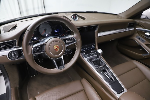 Used 2018 Porsche 911 Targa 4S for sale $134,900 at Rolls-Royce Motor Cars Greenwich in Greenwich CT 06830 17