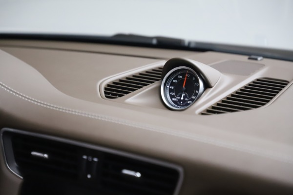 Used 2018 Porsche 911 Targa 4S for sale $134,900 at Rolls-Royce Motor Cars Greenwich in Greenwich CT 06830 26