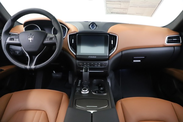 New 2020 Maserati Ghibli S Q4 for sale $63,244 at Rolls-Royce Motor Cars Greenwich in Greenwich CT 06830 16