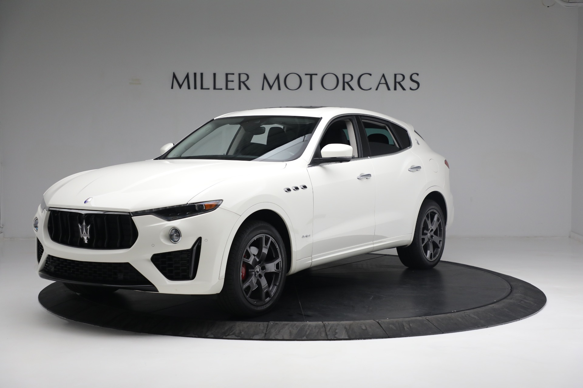 New 2020 Maserati Levante Q4 GranSport for sale $81,385 at Rolls-Royce Motor Cars Greenwich in Greenwich CT 06830 1