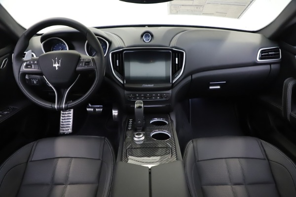 New 2020 Maserati Ghibli S Q4 GranSport for sale $90,285 at Rolls-Royce Motor Cars Greenwich in Greenwich CT 06830 16
