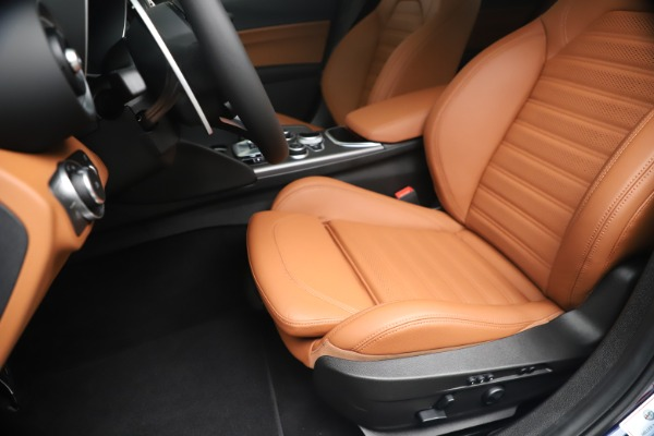 New 2020 Alfa Romeo Giulia Ti Sport Q4 for sale $52,840 at Rolls-Royce Motor Cars Greenwich in Greenwich CT 06830 15