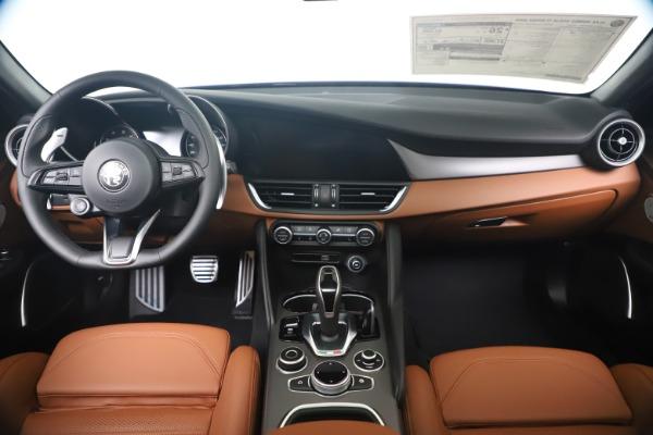 New 2020 Alfa Romeo Giulia Ti Sport Q4 for sale $52,840 at Rolls-Royce Motor Cars Greenwich in Greenwich CT 06830 16
