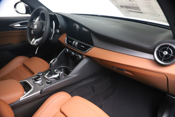 New 2020 Alfa Romeo Giulia Ti Sport Q4 for sale $52,840 at Rolls-Royce Motor Cars Greenwich in Greenwich CT 06830 22