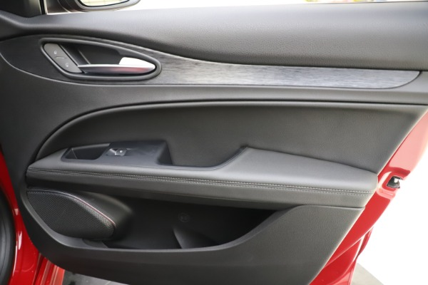 New 2020 Alfa Romeo Stelvio Sport Q4 for sale Sold at Rolls-Royce Motor Cars Greenwich in Greenwich CT 06830 25