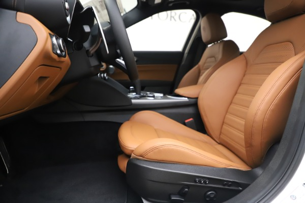 New 2020 Alfa Romeo Giulia Ti Sport Q4 for sale $53,190 at Rolls-Royce Motor Cars Greenwich in Greenwich CT 06830 14