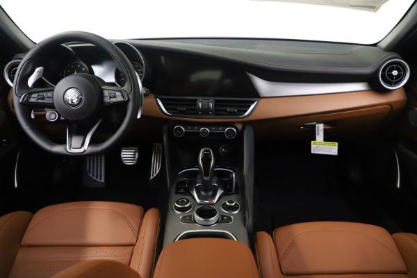 New 2020 Alfa Romeo Giulia Ti Sport Q4 for sale $53,190 at Rolls-Royce Motor Cars Greenwich in Greenwich CT 06830 16