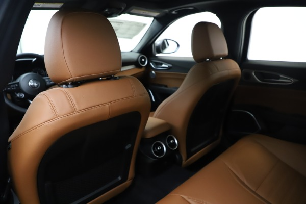 New 2020 Alfa Romeo Giulia Ti Sport Q4 for sale $53,190 at Rolls-Royce Motor Cars Greenwich in Greenwich CT 06830 20